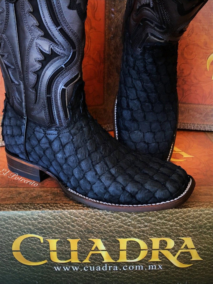 Pirarucu Wide Square Toe Boots ( Black
