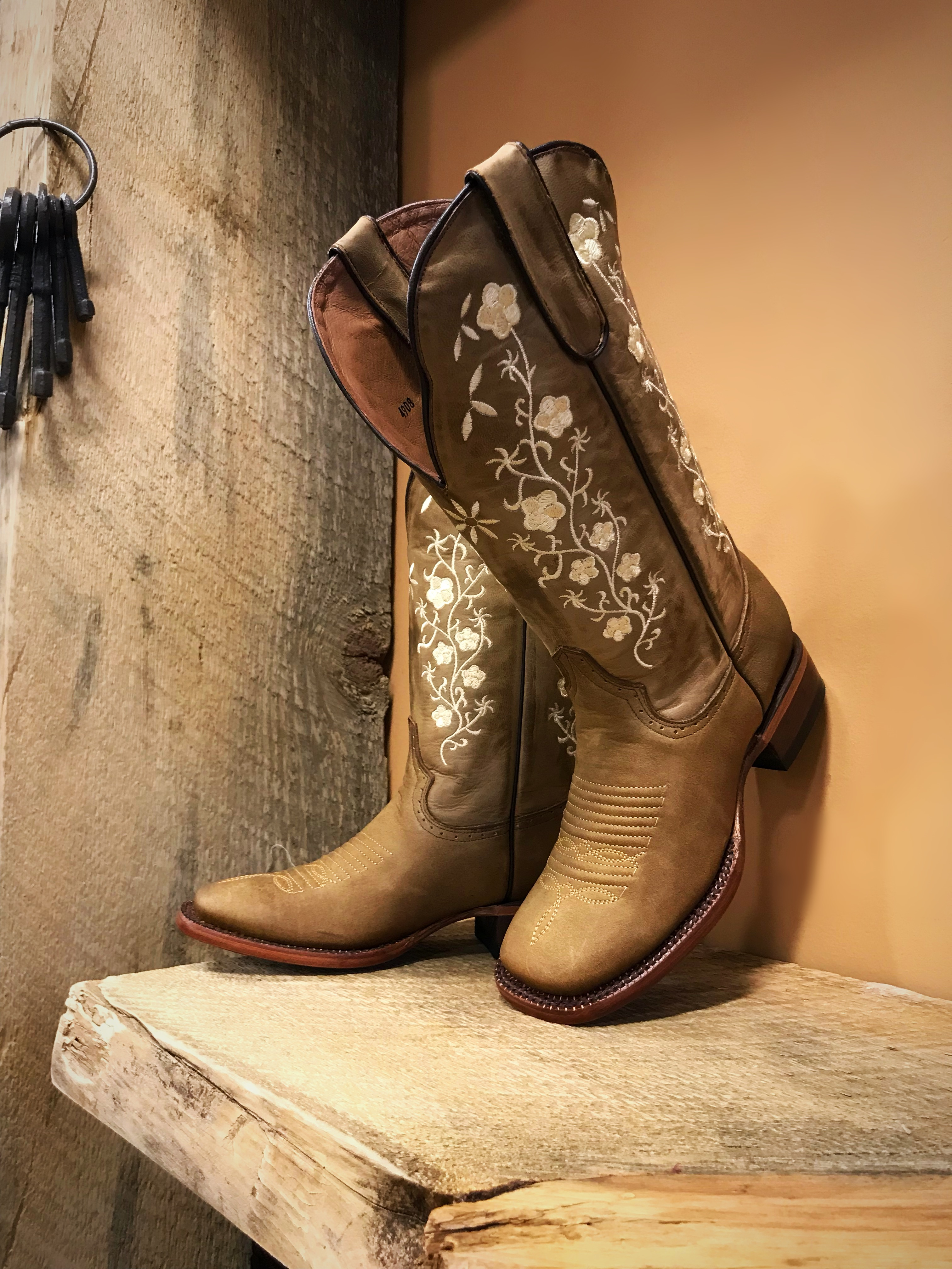 Tan Cowgirl Boots For Women